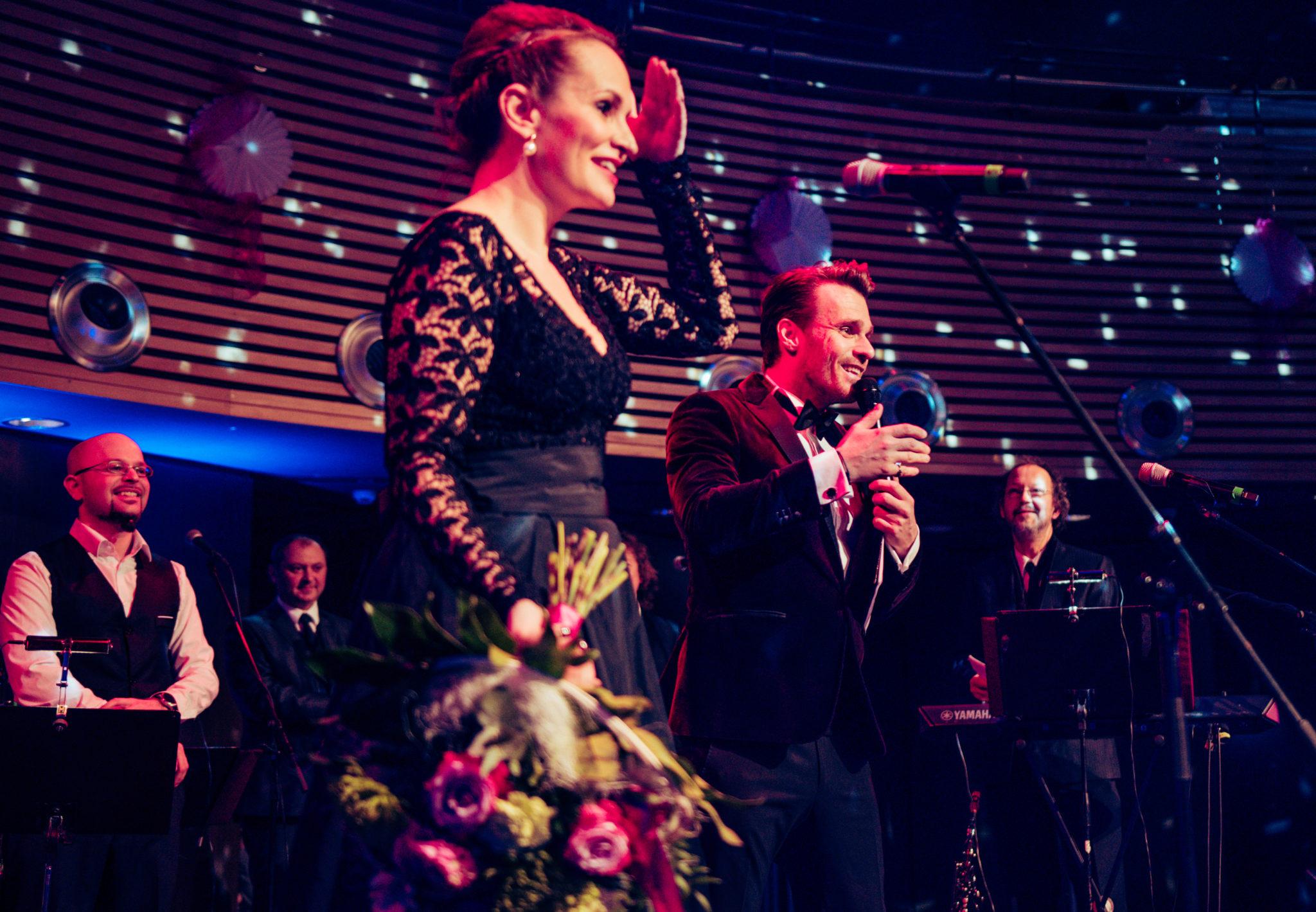 Zpěvačka Monika Absolonová a moderátor Leoš Mareš - Městský ples Trutnov 2018